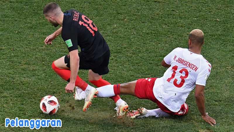 Pelanggaran Peraturan Lapangan Peraturan Sepak Bola
